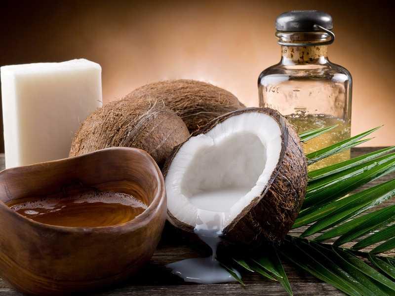 Натуральное органическое кокосовое масло: состав, полезные свойства продукта и применение в косметологии