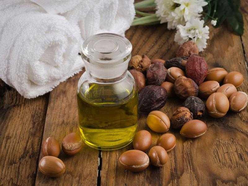 Свойства натуральных масел для волос: чем полезны органические маски для кожи головы и как их правильно использовать?