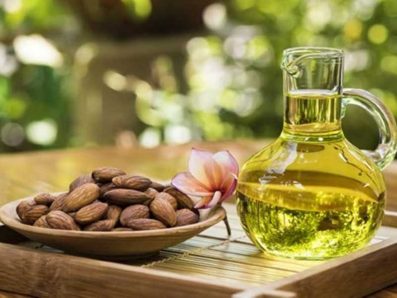 Использование натурального крема для век: уход за кожей вокруг глаз, рецепты и как правильно наносить средства