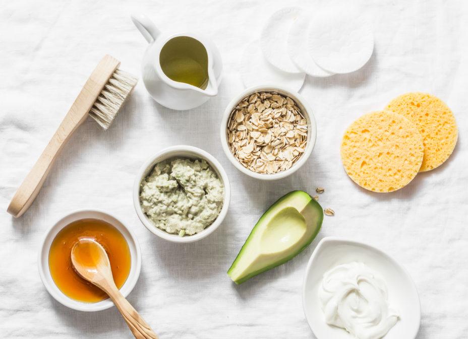 Лучший натуральный скраб для лица в домашних условиях: ингредиенты, рецепты и правила использования